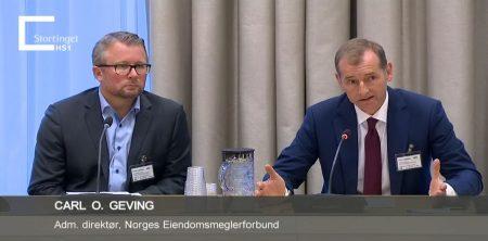 NEF ved kommunikasjonssjef Svein Strømnes og adm. dir. Carl O. Geving i stortingshøring om en mer aktiv boligpolitkk.